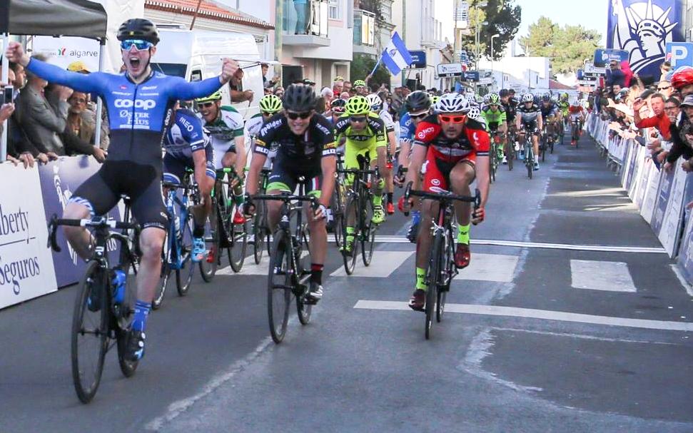 Pierre Moncorge in som 2a bakom segrande norrmannen August Jensen. Foto: UVP - Federacao Portuguesa de Ciclismo -