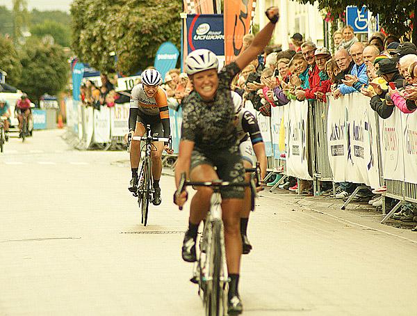 Chantal Blaak vinner nionde Crescent World Cup Vårgårda - Foto: Dennis Nystrand