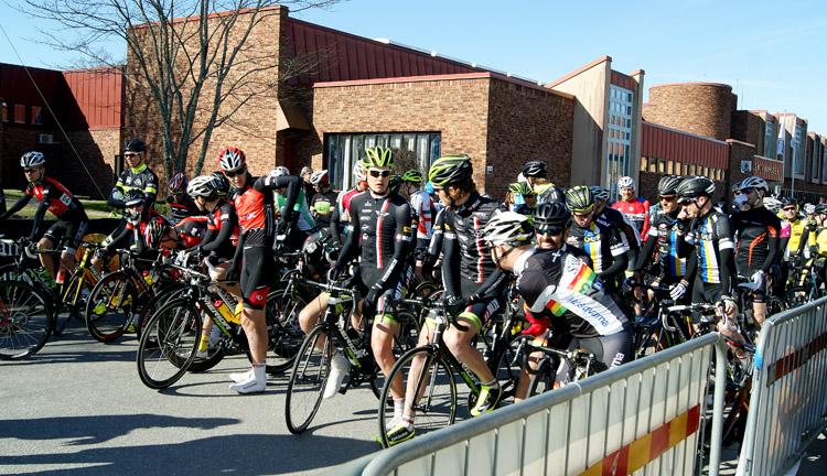 Elitklungan inför start pÃ¥ Kinnekulle Cyclassic 2015 -