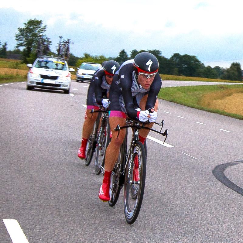 Nu är det åter dags för världscuptävlingar i Vårgårda, en stolt cykeltradition sedan nio år tillbaka, driven av Vårgårda CK i Västergötland. På bilden syns Specialized-lululemon, fjolårets segrarinnor. Foto:  - Christer Hedberg